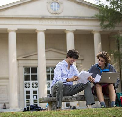 Students in front of Pressly Hall, The Westminster Schools WEB - Credit Billy Howard