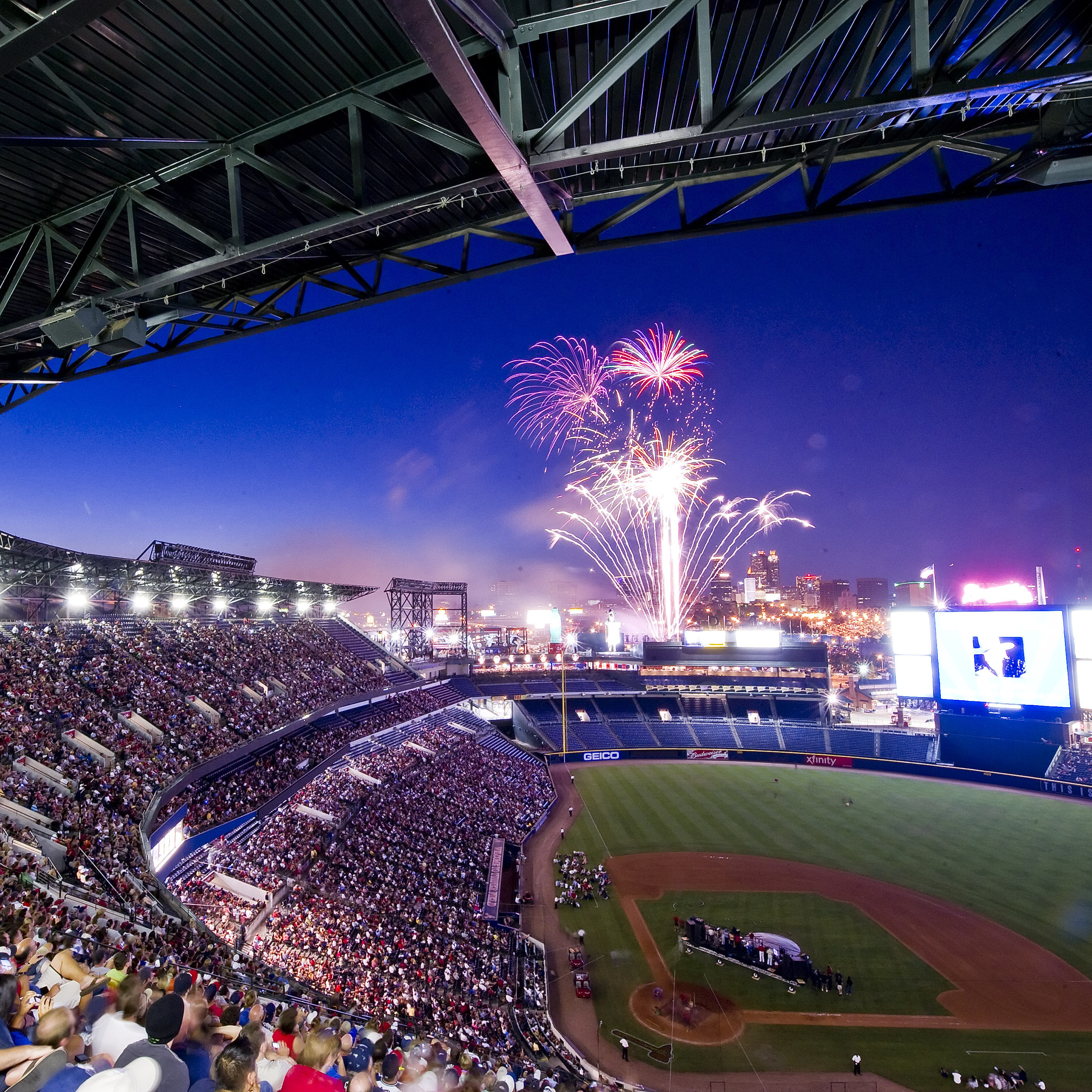 Places To Visit In Florida In April: 3. Stay For The Fireworks At The Ted