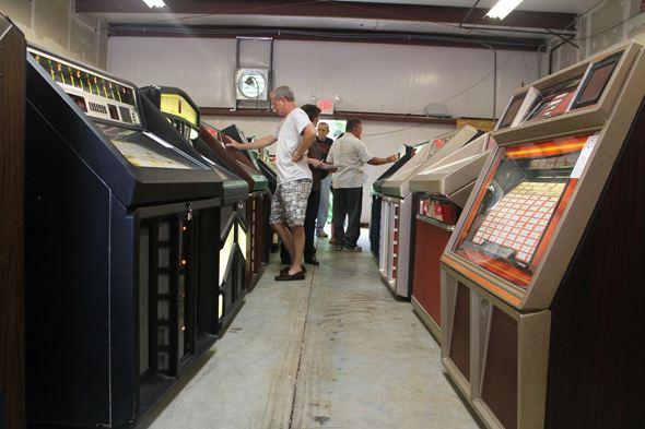 Inside the great waffle house jukebox auction atlanta for Waffle house classic jukebox favorites