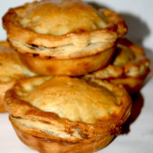 Steak and pepper mini pies