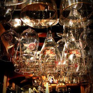 Glasswarehanging