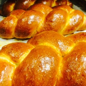 Braided challah at the General Muir