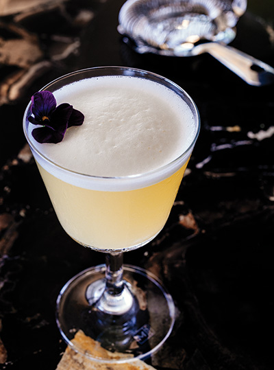 The Jolie Dame (cognac, hibiscus, pineapple essence)
