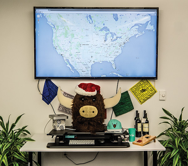 Dots appear on a map of North America every time a yak is posted.