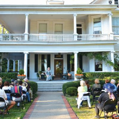 The annual Tennessee Williams Festival features readings, tours through Clarksdale's historic district, and performances of his plays on the porches of historic homes.