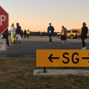 Runners were given the opportunity to sprint down Hartsfield-Jackson's taxiway SG and Runway 10/28