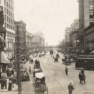 Marietta Street, circa 1913. A similar streetcar ran along Ponce de Leon.