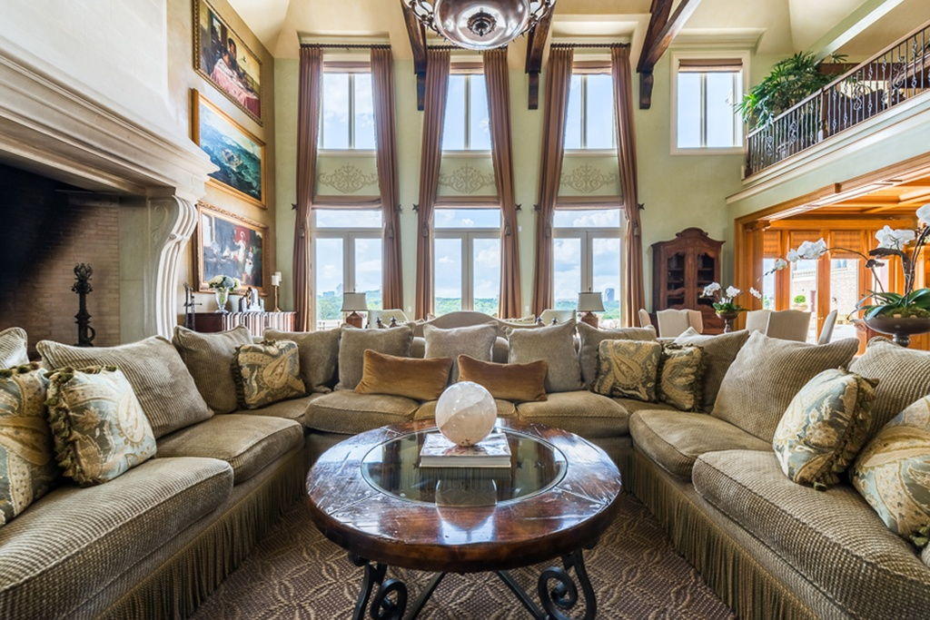 House envy a look inside tyler perry s sprawling estate for Look inside beautiful homes