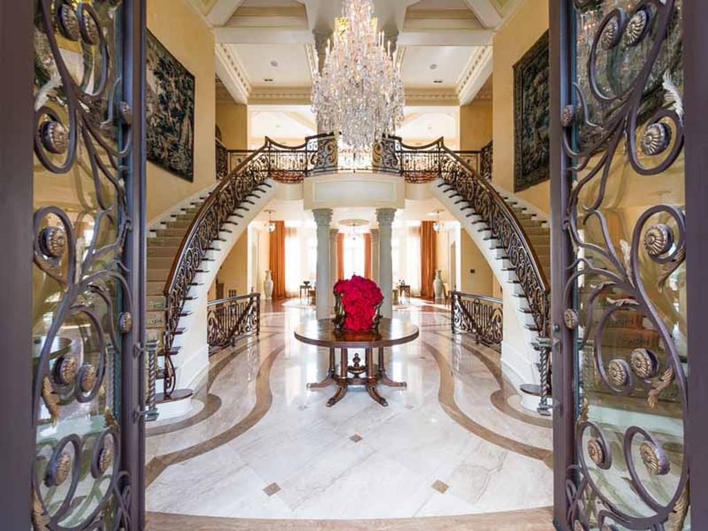 House Envy A Look Inside Tyler Perrys Sprawling Estate