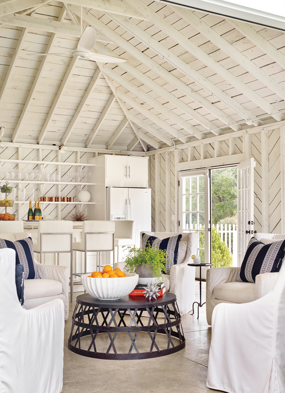 Room Envy: Jimmy Stanton turned this garage into a modern-rustic ...