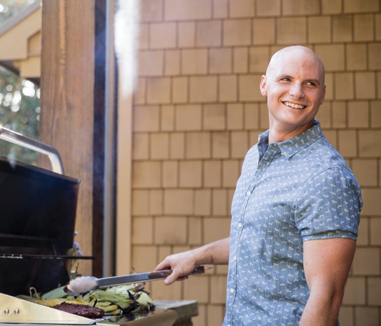 How to host a backyard barbecue like Pauli and Chip Wade