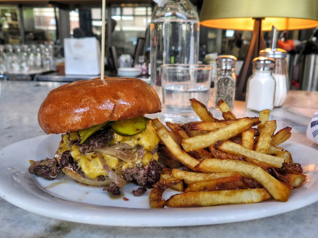 The cheeseburger at The General Muir.