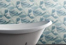 Bath and wallpaper