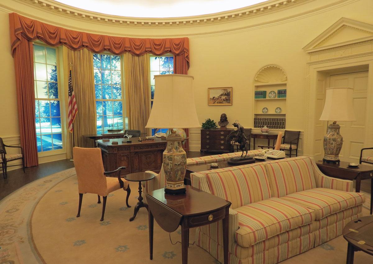 50 Best Things to Do in Atlanta Peek inside Jimmy Carters Oval Office