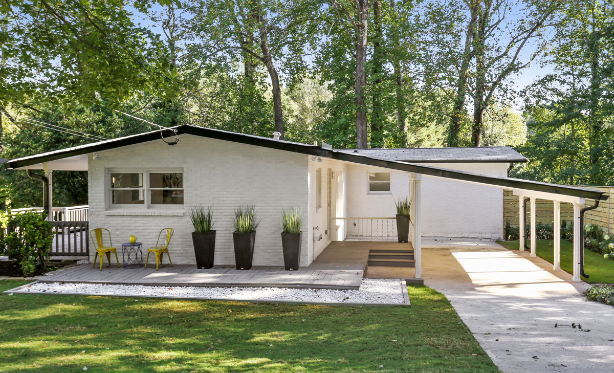 Midcentury modern houses are in demand in atlanta and at a for Modern home builders atlanta