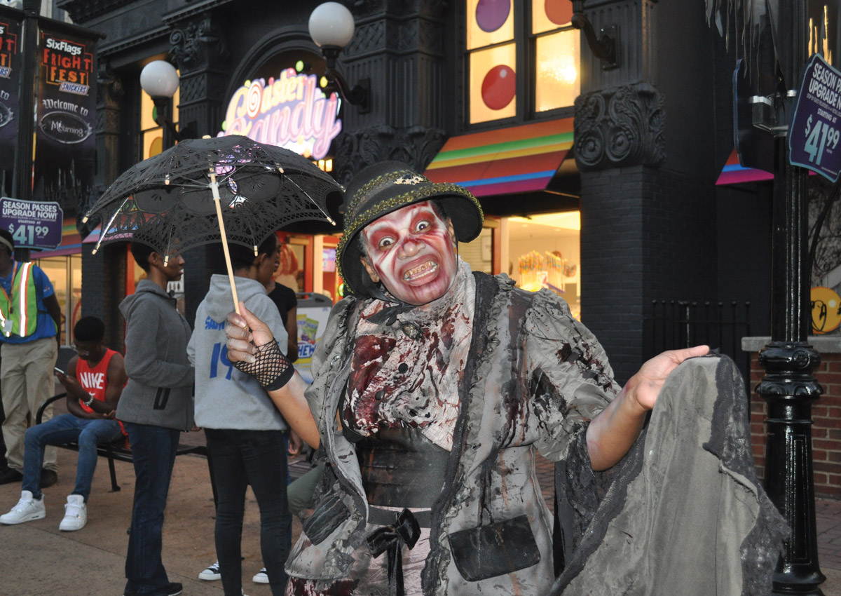 Six Flags Fright Fest zombie