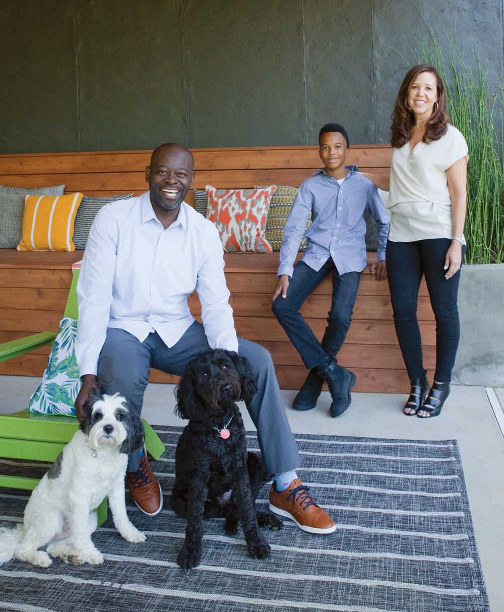 The Freeman family and their two dogs