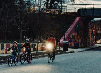 Teaching kids to ride a bike in Atlanta
